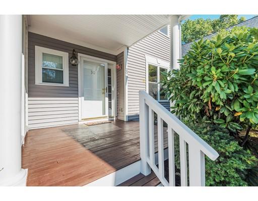 شقة بعمارة للـ Sale في 30 Grove Lane 30 Grove Lane Burlington, Massachusetts 01803 United States