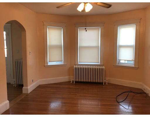独户住宅 为 出租 在 243 Beech 波士顿, 马萨诸塞州 02131 美国