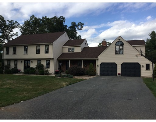واحد منزل الأسرة للـ Sale في 17 Bittersweet Lane 17 Bittersweet Lane Wilbraham, Massachusetts 01095 United States