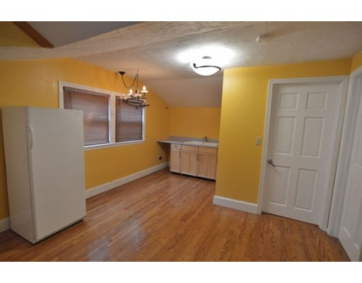 Apartamento por un Alquiler en 65 Adelaide Street #B 65 Adelaide Street #B Randolph, Massachusetts 02368 Estados Unidos