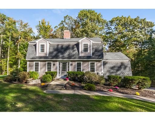 独户住宅 为 销售 在 14 Meditation Lane 14 Meditation Lane Atkinson, 新罕布什尔州 03811 美国