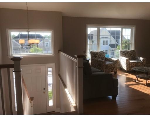 واحد منزل الأسرة للـ Sale في 10 Carousel Terrace 10 Carousel Terrace Dartmouth, Massachusetts 02747 United States