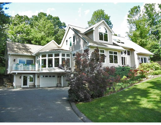Single Family Home for Sale at 243 Park Hill Road 243 Park Hill Road Northampton, Massachusetts 01062 United States