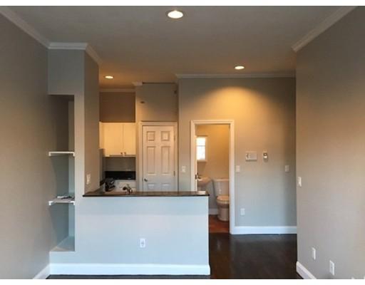 Additional photo for property listing at 549 Columbus Avenue 549 Columbus Avenue Boston, Massachusetts 02118 Estados Unidos