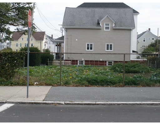 Additional photo for property listing at Thompson Street  New Bedford, Massachusetts 02740 Estados Unidos