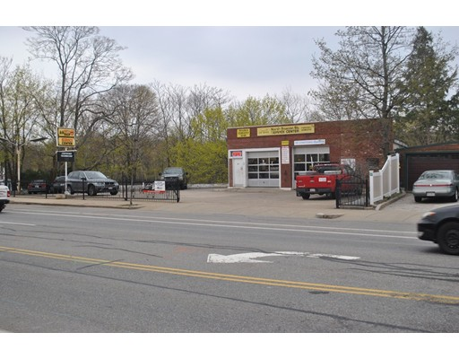 Commercial for Sale at 303 North Beacon Street 303 North Beacon Street Watertown, Massachusetts 02472 United States