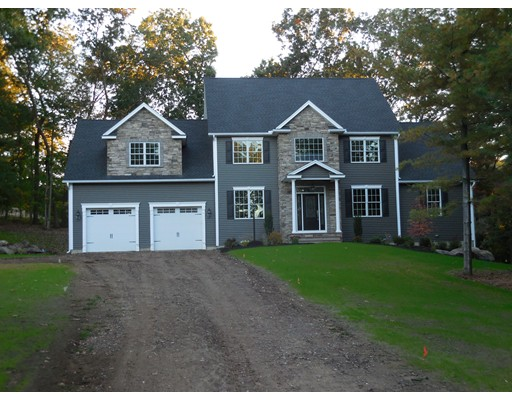 独户住宅 为 销售 在 951 Converse 951 Converse Longmeadow, 马萨诸塞州 01106 美国