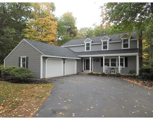 独户住宅 为 销售 在 10 Meadowview Drive 10 Meadowview Drive Plaistow, 新罕布什尔州 03865 美国