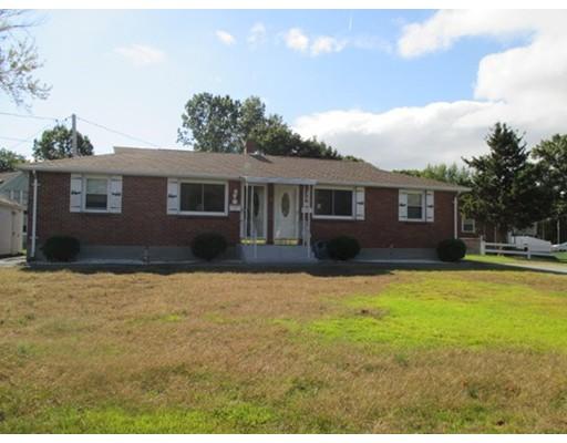 Casa Unifamiliar por un Alquiler en 8 Lavoie Drive Chicopee, Massachusetts 01020 Estados Unidos