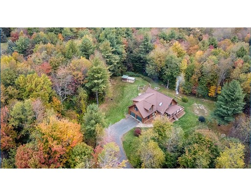 独户住宅 为 销售 在 509 Skyline Trail 509 Skyline Trail Chester, 马萨诸塞州 01011 美国