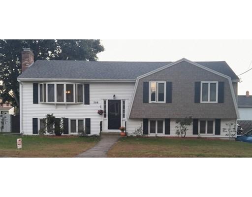 Maison unifamiliale pour l Vente à 356 Mount Vernon Street 356 Mount Vernon Street Lawrence, Massachusetts 01843 États-Unis