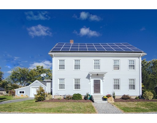 واحد منزل الأسرة للـ Sale في 26 Forest Avenue 26 Forest Avenue Essex, Massachusetts 01929 United States