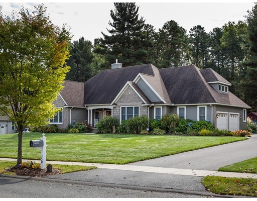 Single Family Home for Sale at 15 Peachtree Road 15 Peachtree Road East Longmeadow, Massachusetts 01028 United States