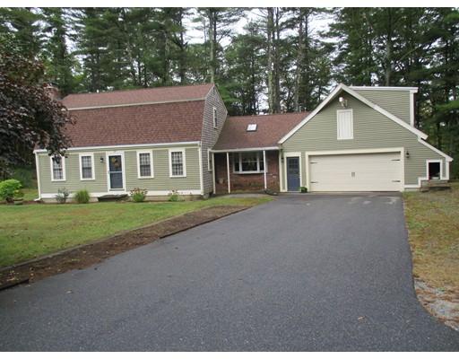 独户住宅 为 销售 在 28 Russell Trufant Road 28 Russell Trufant Road Carver, 马萨诸塞州 02330 美国