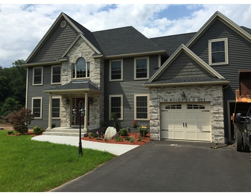 Casa Unifamiliar por un Venta en 40 Old Reed Road 40 Old Reed Road Monson, Massachusetts 01057 Estados Unidos