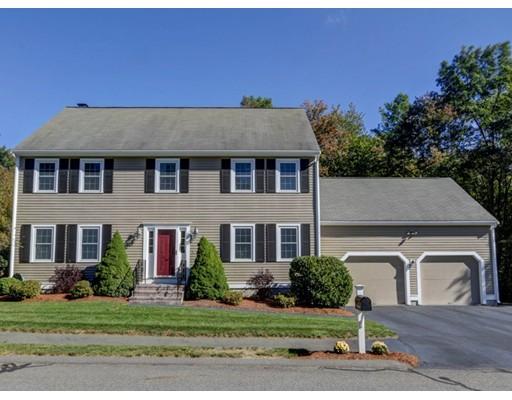 Частный односемейный дом для того Продажа на 11 Villa Drive 11 Villa Drive Medway, Массачусетс 02053 Соединенные Штаты