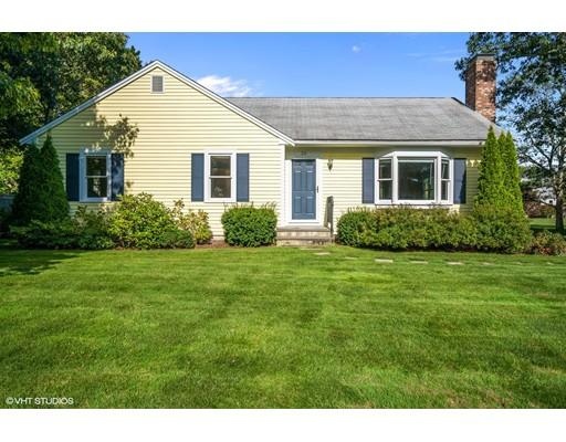 Casa Unifamiliar por un Venta en 24 Egg Harbor Road 24 Egg Harbor Road Yarmouth, Massachusetts 02673 Estados Unidos
