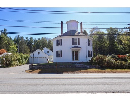 Single Family Home for Sale at 484 Main Street 484 Main Street Townsend, Massachusetts 01469 United States