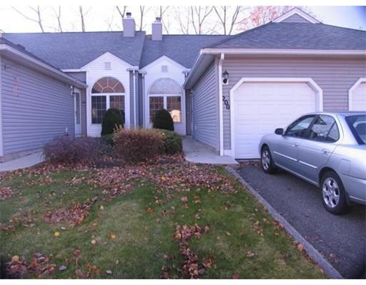 Appartement en copropriété pour l Vente à 200 Brookfield Lane 200 Brookfield Lane Agawam, Massachusetts 01001 États-Unis