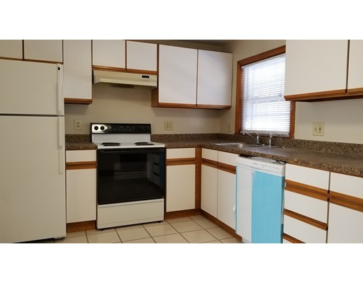 Casa Unifamiliar por un Alquiler en 19 Park Avenue 19 Park Avenue Foxboro, Massachusetts 02035 Estados Unidos