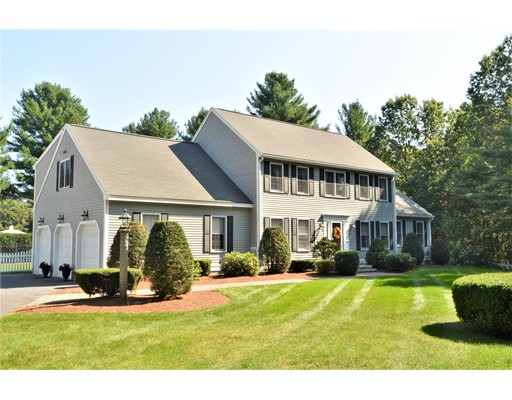 Maison unifamiliale pour l Vente à 46 Hemlock Lane 46 Hemlock Lane Lancaster, Massachusetts 01523 États-Unis