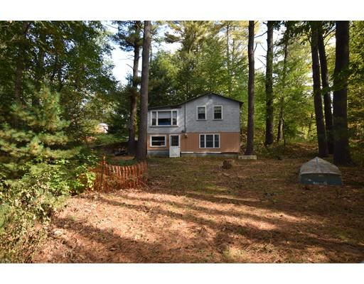 واحد منزل الأسرة للـ Sale في 25 Fourth Street 25 Fourth Street Kingston, New Hampshire 03848 United States