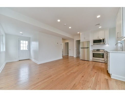 Condominio por un Venta en 56 Hooper 56 Hooper Chelsea, Massachusetts 02150 Estados Unidos