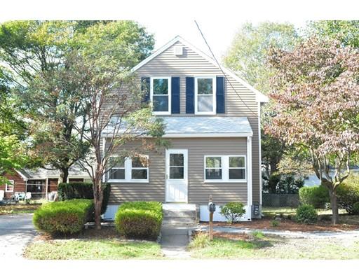 Maison unifamiliale pour l Vente à 13 Allen Avenue 13 Allen Avenue Attleboro, Massachusetts 02703 États-Unis