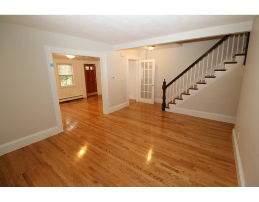 Additional photo for property listing at 10 Loring Avenue  Winchester, Massachusetts 01890 Estados Unidos