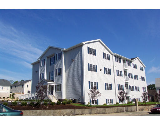 Apartamento por un Alquiler en 777 County St #1 777 County St #1 New Bedford, Massachusetts 02740 Estados Unidos