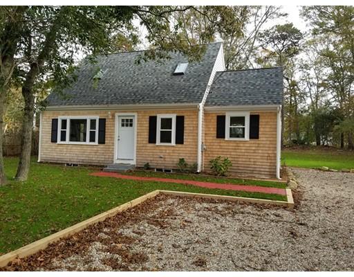 Maison unifamiliale pour l Vente à 1785 Orleans Road 1785 Orleans Road Harwich, Massachusetts 02645 États-Unis