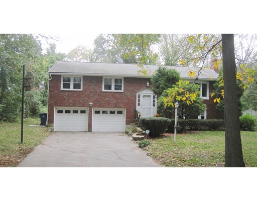 Single Family Home for Sale at 215 Bay Road 215 Bay Road Sharon, Massachusetts 02067 United States