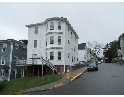 Maison avec plusieurs logements pour l Vente à 69 Catharine 69 Catharine Worcester, Massachusetts 01605 États-Unis