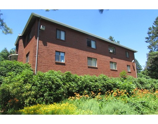 Single Family Home for Rent at 8 Longmeadow Drive 8 Longmeadow Drive Rowley, Massachusetts 01969 United States