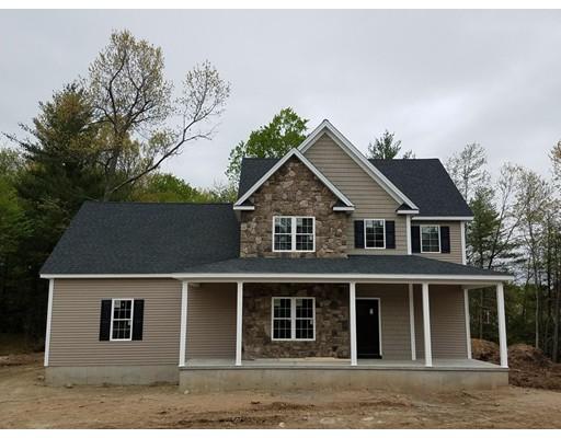 واحد منزل الأسرة للـ Sale في 5 Woodmar Lane 5 Woodmar Lane Southampton, Massachusetts 01073 United States
