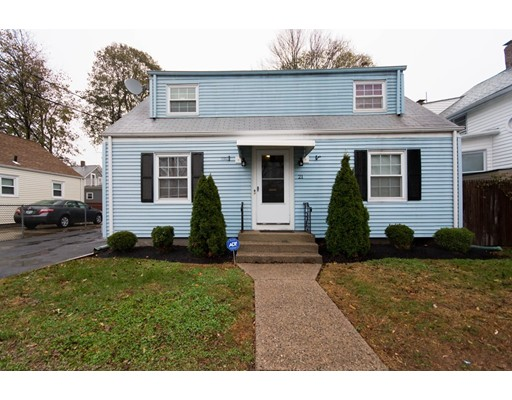 Casa Multifamiliar por un Venta en 21 Rufus Street 21 Rufus Street Pawtucket, Rhode Island 02860 Estados Unidos