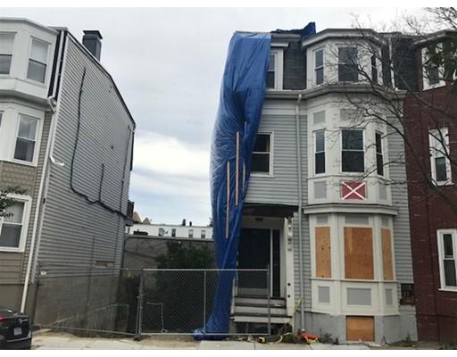 Casa Multifamiliar por un Venta en 62 O Street Boston, Massachusetts 02127 Estados Unidos