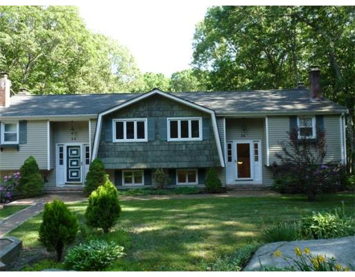 Additional photo for property listing at 36 West Hill Road  Mendon, Massachusetts 01756 United States