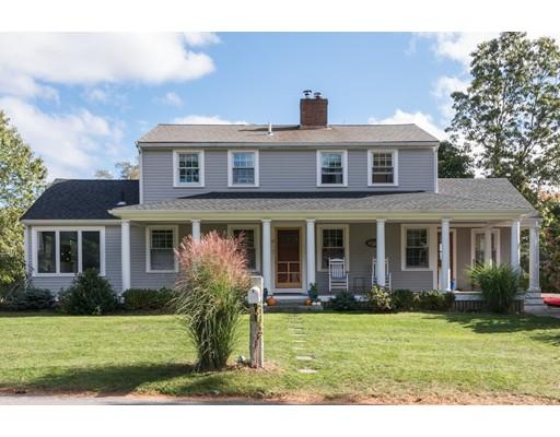 واحد منزل الأسرة للـ Sale في 18 Arrowood Street 18 Arrowood Street Cohasset, Massachusetts 02025 United States