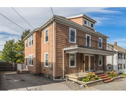 Maison avec plusieurs logements pour l Vente à 14 Strathmore Road 14 Strathmore Road Medford, Massachusetts 02155 États-Unis
