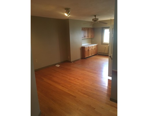Additional photo for property listing at 9 Douglas Street  波士顿, 马萨诸塞州 02127 美国