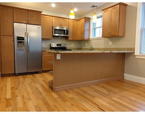 Квартира для того Аренда на 371 Main St #1 371 Main St #1 Woburn, Массачусетс 01801 Соединенные Штаты