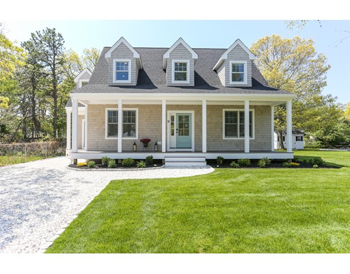 独户住宅 为 销售 在 9 Plymouth Drive 9 Plymouth Drive 法尔茅斯, 马萨诸塞州 02536 美国