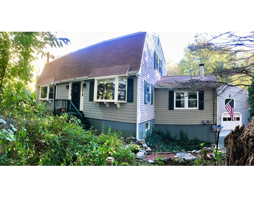 Single Family Home for Sale at 149 Chestnut Street 149 Chestnut Street Upton, Massachusetts 01568 United States