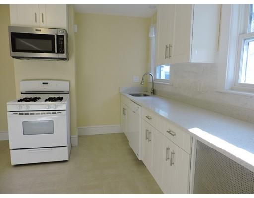 Casa Unifamiliar por un Alquiler en 138 Main Street Watertown, Massachusetts 02472 Estados Unidos