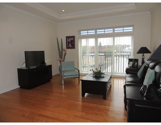 Additional photo for property listing at 500 Union Street  斯特伯鲁, 马萨诸塞州 01581 美国