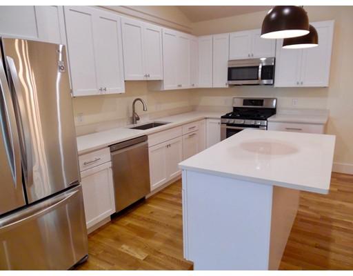 Квартира для того Аренда на 236 Edgardtown Vineyard Haven Rd. #2 236 Edgardtown Vineyard Haven Rd. #2 Edgartown, Массачусетс 02359 Соединенные Штаты