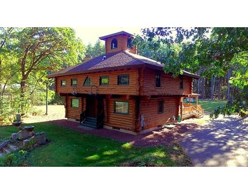 Maison unifamiliale pour l Vente à 75 Pequot Road 75 Pequot Road Southampton, Massachusetts 01073 États-Unis