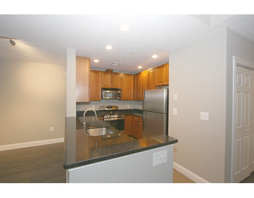 Additional photo for property listing at 64 Hastings  Wellesley, Massachusetts 02481 Estados Unidos