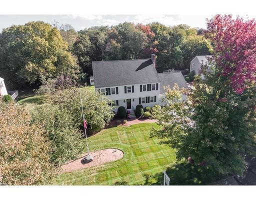 Casa Unifamiliar por un Venta en 15 Chilmark Road 15 Chilmark Road Franklin, Massachusetts 02038 Estados Unidos